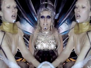 "Lady Gaga's ""Born This Way"" video disappoints, says award-winning video director for Cyndi Lauper"
